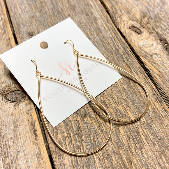 Simple Tear Drop Earrings | Gold