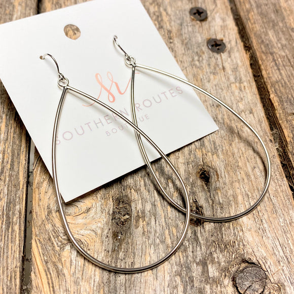 Simple Tear Drop Earrings | Silver