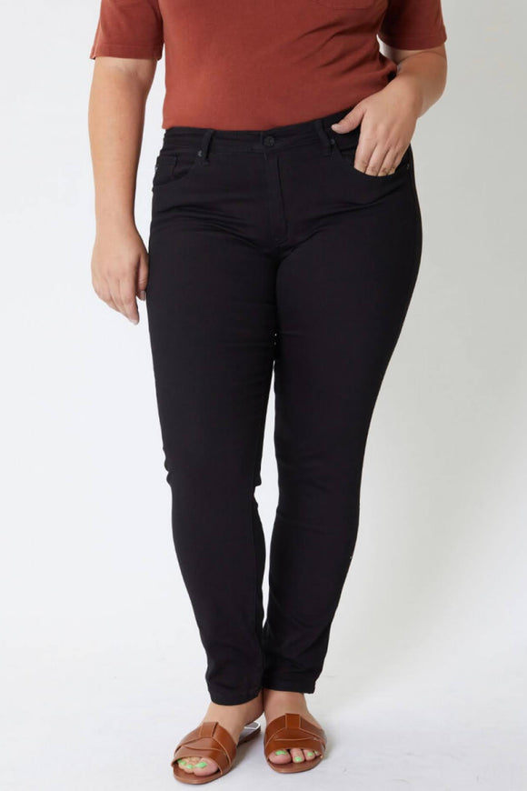 The Standard Black Jeans | CURVY SIZE | KanCan