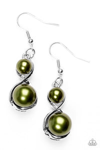 i Set The Stage - Green Earrings 2558E