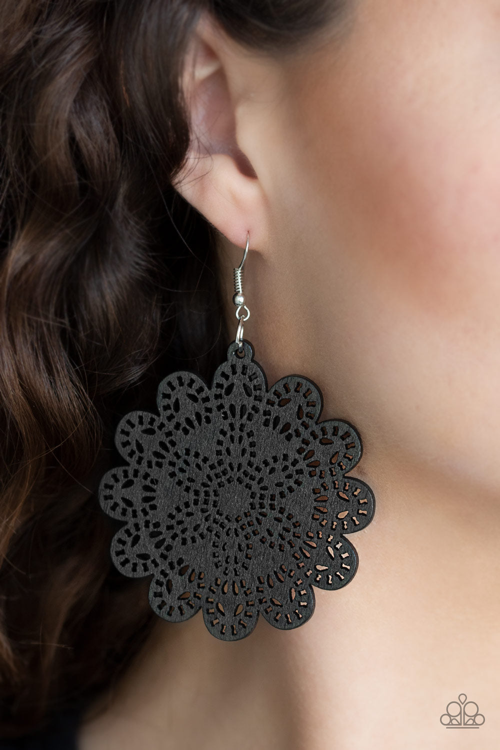 Coachella Cabaret - Black  Earring 2675E