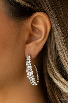 A GLITZY Conscience - Black Earring 2529E
