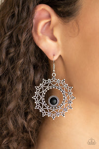 Wreathed in Whimsicality - Black Earring 2692E