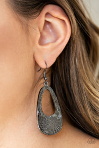 Mean Sheen - Black Earring