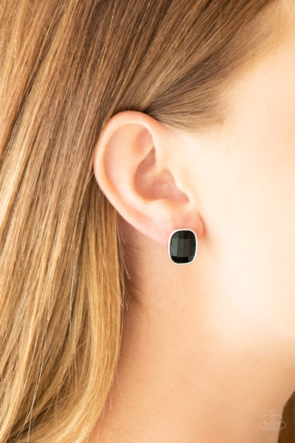 Incredibly Iconic - Black Earring 2689E
