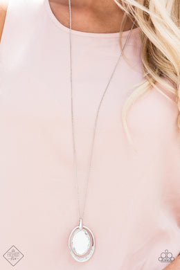Metro Must - Have  - White Necklace
