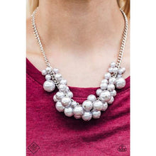 Load image into Gallery viewer, Glam Queen - Silver Necklace