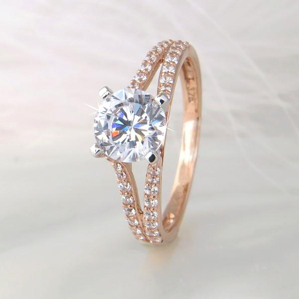 Bague UN CARAT or rose
