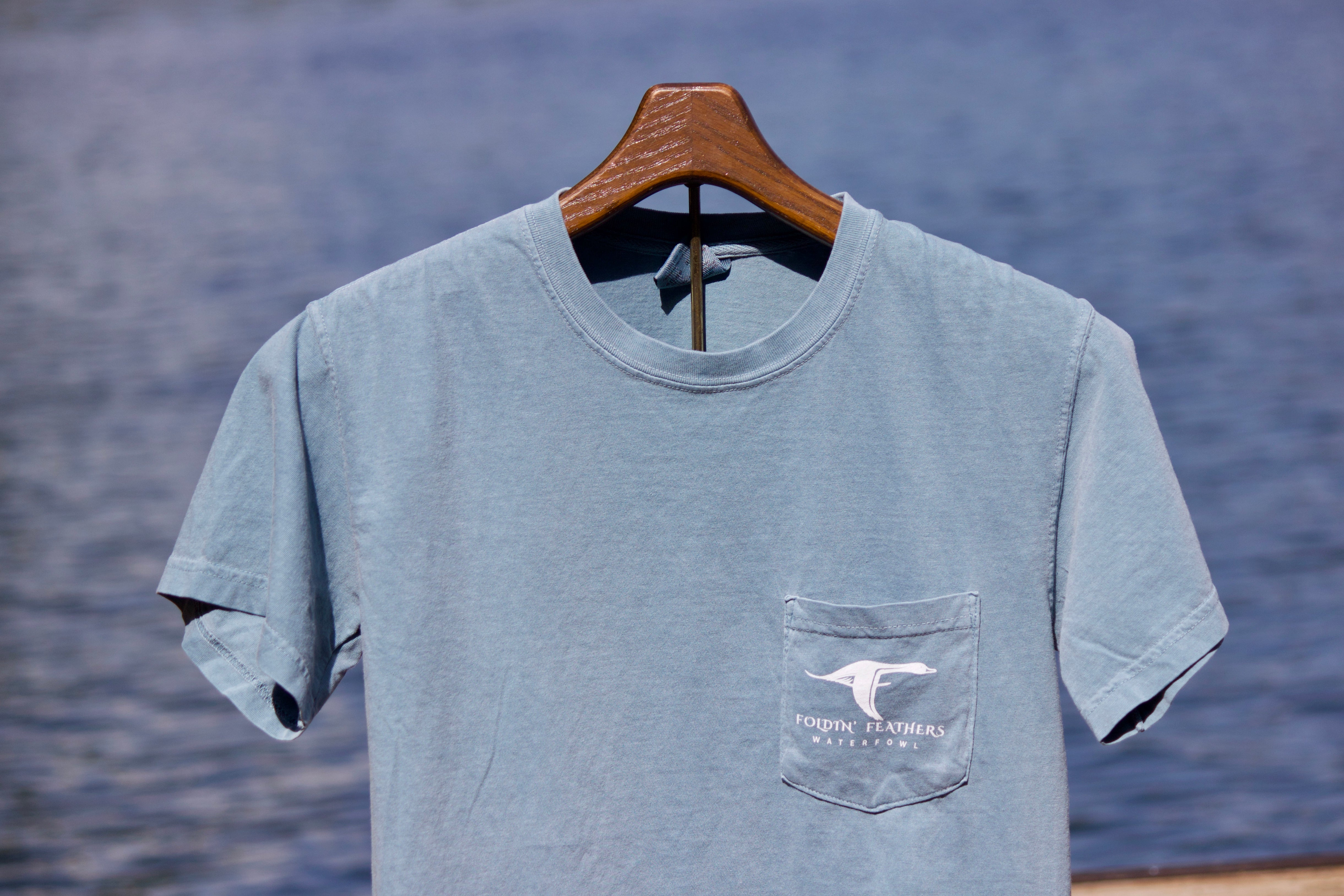 Cache T-Shirt in Ice Blue