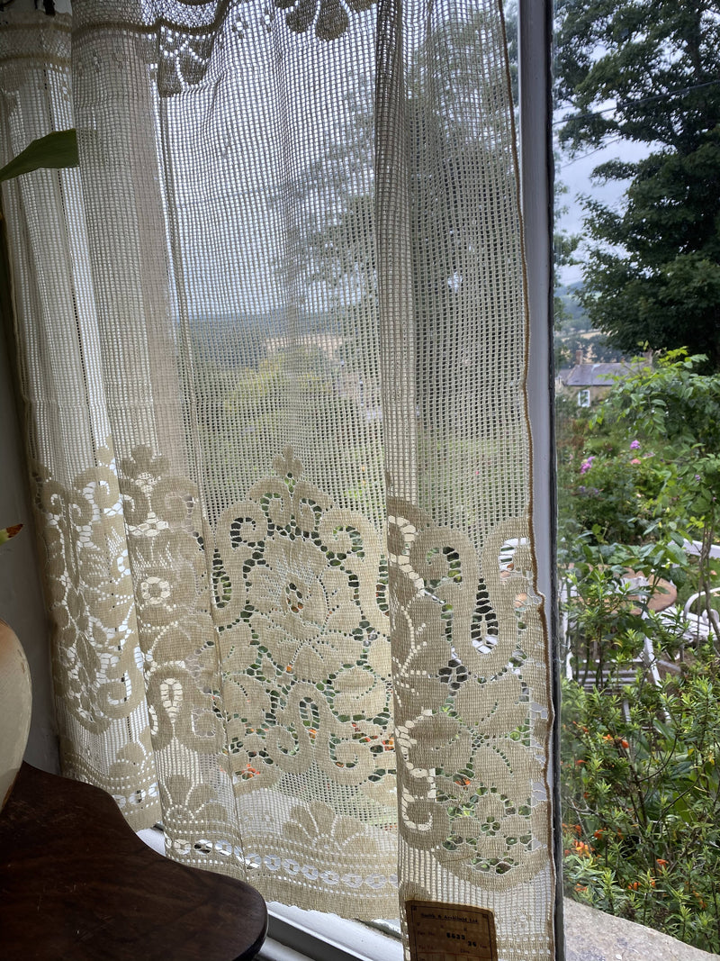 "Beautiful Period Arts and Crafts original ecru cotton lace curtain panel new old stock 36""/36"""