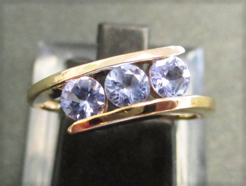 9ct gold tanzanite crossover ring