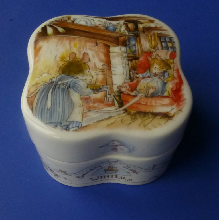 Royal Doulton Brambly Hedge Seasons Winter Clover Trinket Box