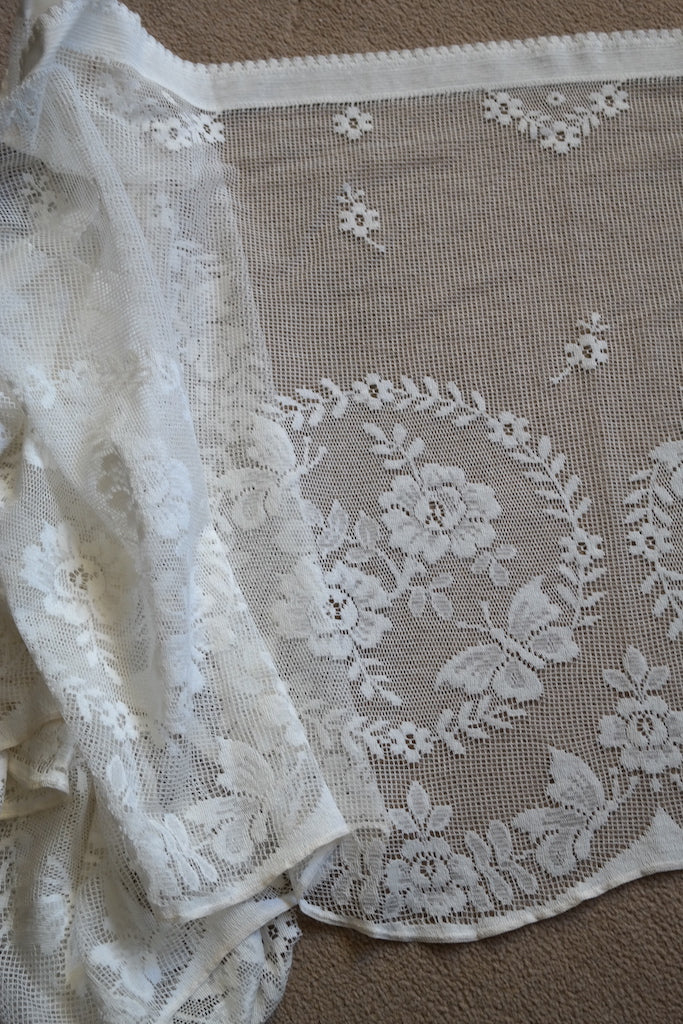 """Bella"" Period cream Scottish Cotton Lace Curtain valance Sold By The Metre 23"" width"