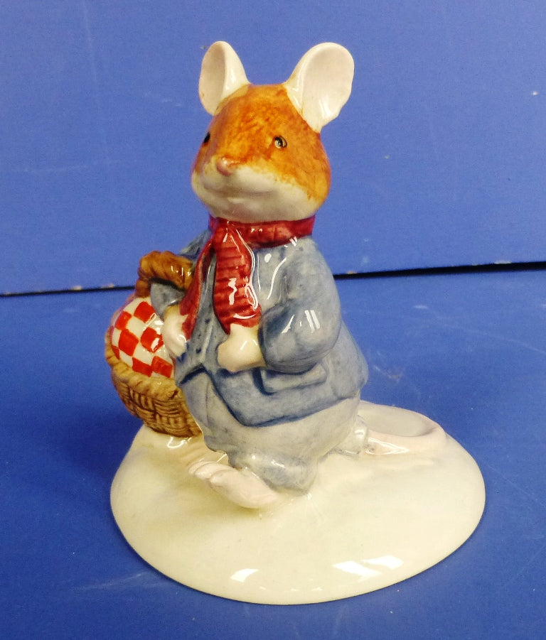 Royal Doulton Brambly Hedge Figurine - Wilfred Carries The Picnic DBH34 (Boxed)