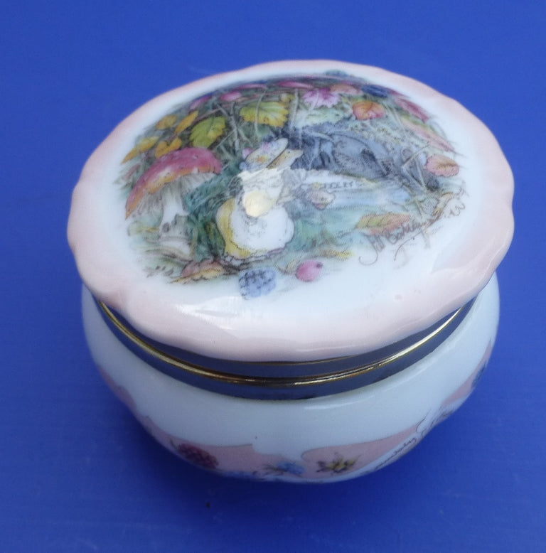 Royal Doulton Brambly Hedge Seasons Hinged Trinket Box - Autumn