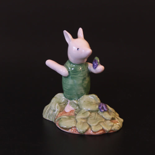 Royal Doulton Winnie the Pooh - Piglet Picking the Violets, WP13