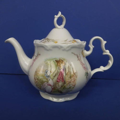 Royal Albert Beatrix Potter Teapot Jemima and Foxy