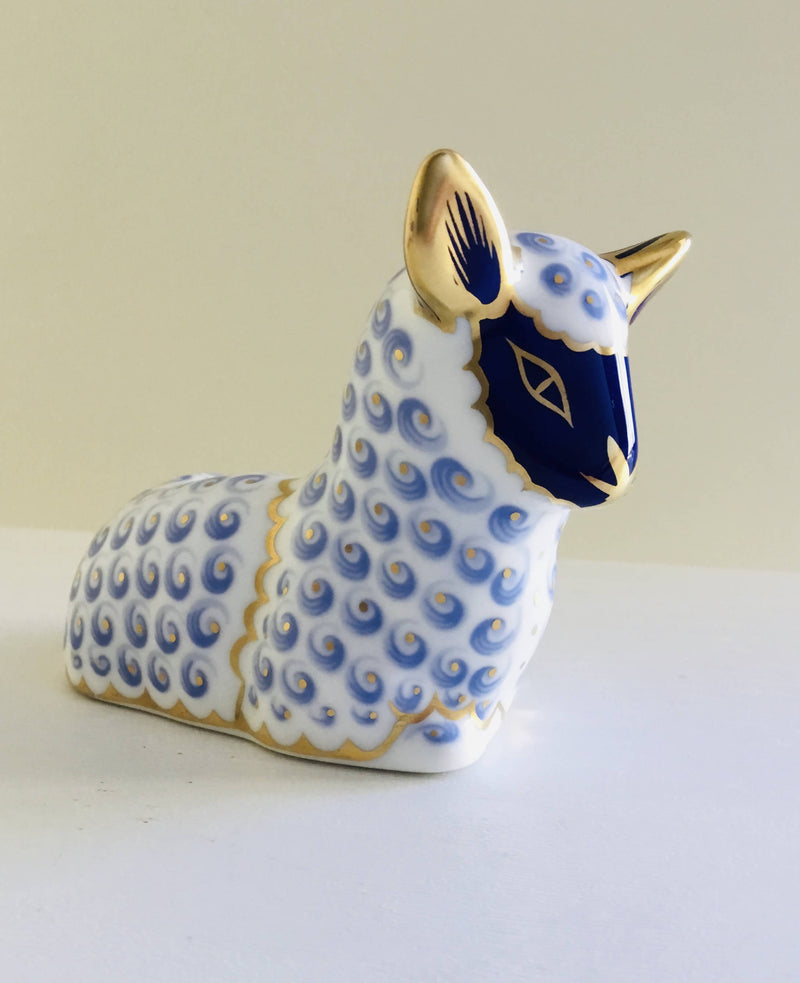 Royal Crown Derby Lamb paperweight