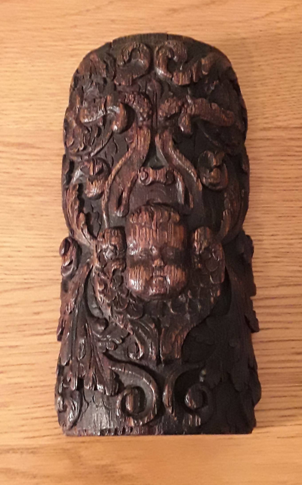 A Tudor Period Carved Wooden Mount.