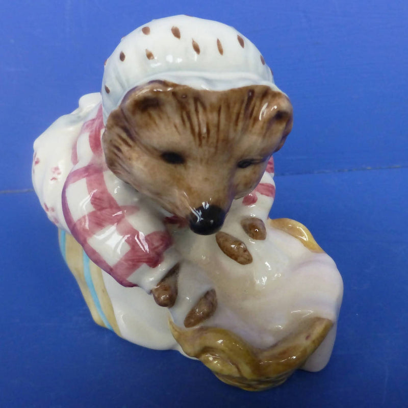 Beswick Beatrix Potter Figurine - Mrs Tiggywinkle Washing (Rare Backstamp BP8a)
