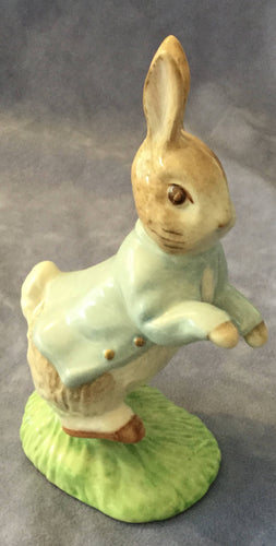 Beswick Peter Rabbit Beatrix Potter Figure 1997 BP9b Gold Buttons