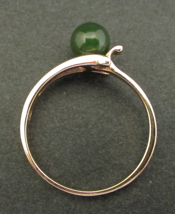 18ct green jade ring