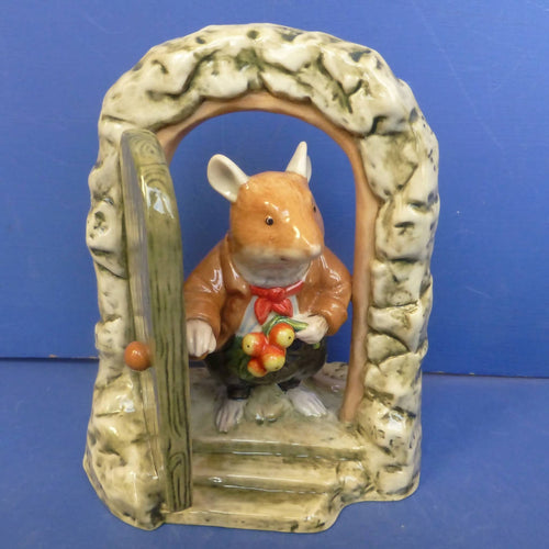 Royal Doulton Brambly Hedge Figurine Home For Supper DBH69 (Boxed)