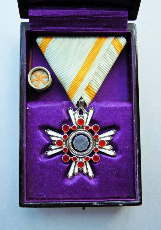 Japanese Order of the Sacred Treasure 6th Class