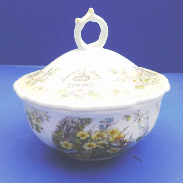 Royal Doulton Brambly Hedge The Seasons Spring Butterfly Powder Bowl