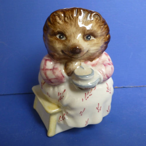 Beswick Beatrix Potter Figurine Mrs Tiggywinkle Takes Tea BP3C