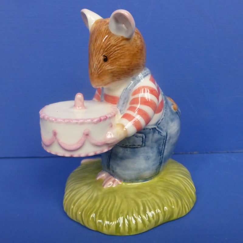 Royal Doulton Brambly Hedge Figurine - Wilfred's Birthday Cake DBH49