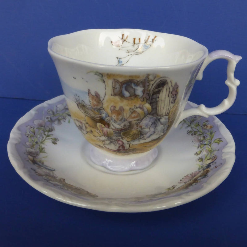 Royal Doulton Brambly Hedge Teacup and Saucer - Meeting On The Sands (Boxed)