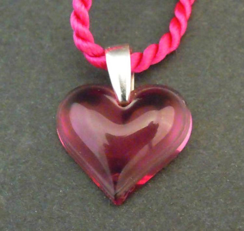 Lalique small pink heart pendant