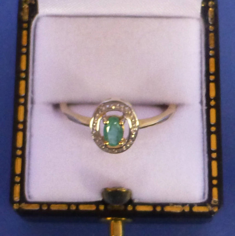9ct Gold Emerald and Diamond Ring Size M +1/2