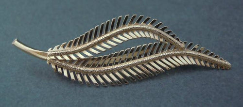 18ct gold fern brooch