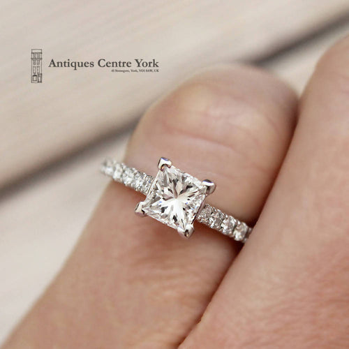 18ct White Gold Certified Princess Cut Diamond Solitaire 1.00ct