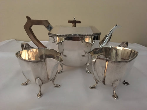 Art Deco George V silver tea service. Sheffield 1932 Stower & Wragg. 37 troy ounces.