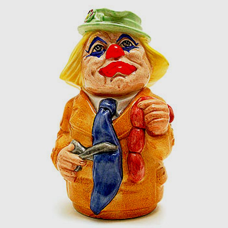 Royal Doulton Doultonville Charlie Cheer The Clown Toby Jug D6768 (Boxed)