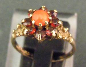9ct gold, Coral and garnets ring, size Q