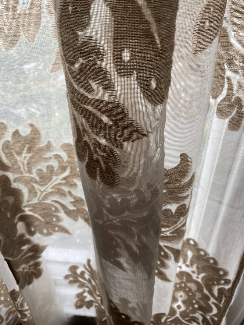 "Acanthus highend pure cotton madras Lace Curtain Remnant 66""/40"""