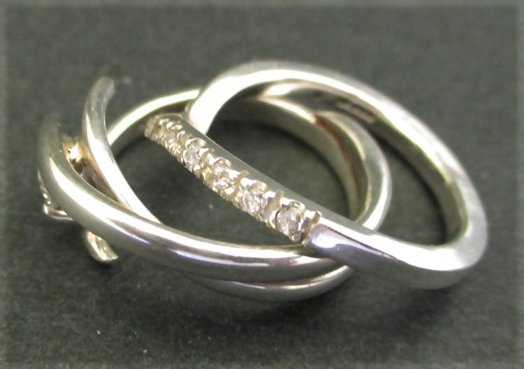 """Truly"" engagement/wedding rings set (077)"