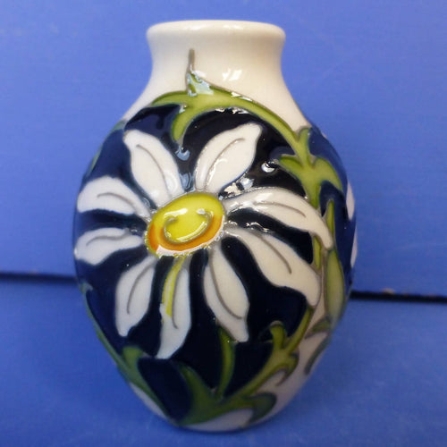 Moorcroft Miniature Daisy Vase April Birthday By Nicola Slaney
