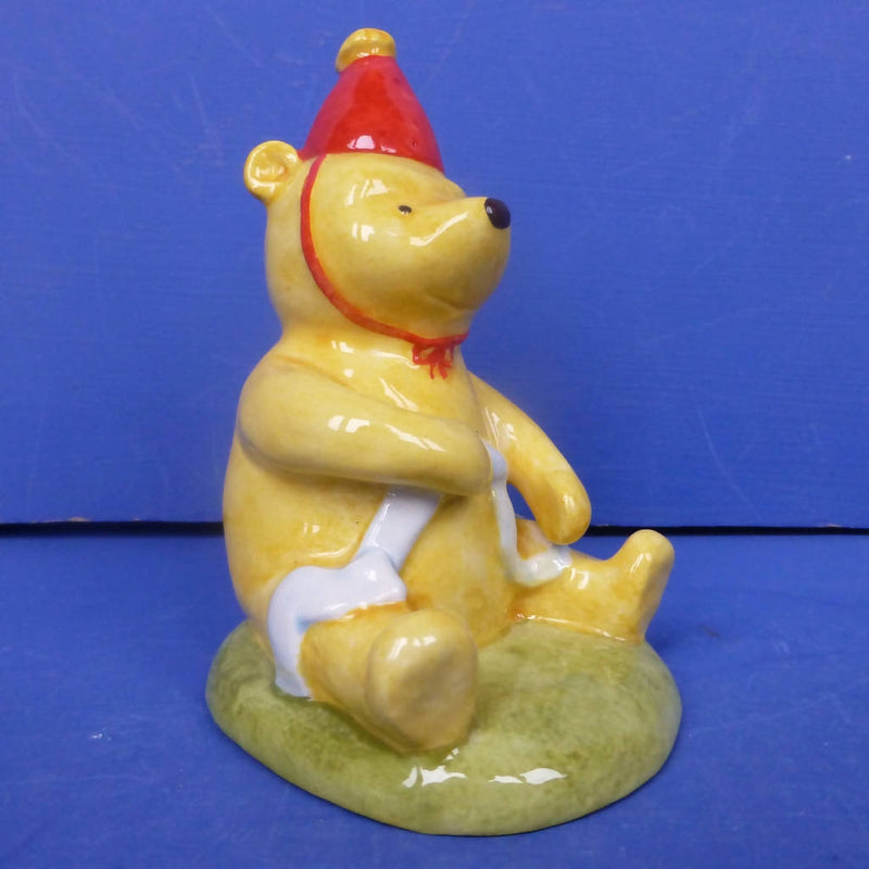 Royal doulton Winnie The Pooh Figurine Pooh and The Party Hat WP33