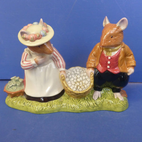 Royal Doulton Brambly Hedge Figurine - Off To Pick Mushrooms DBH66 (Boxed)