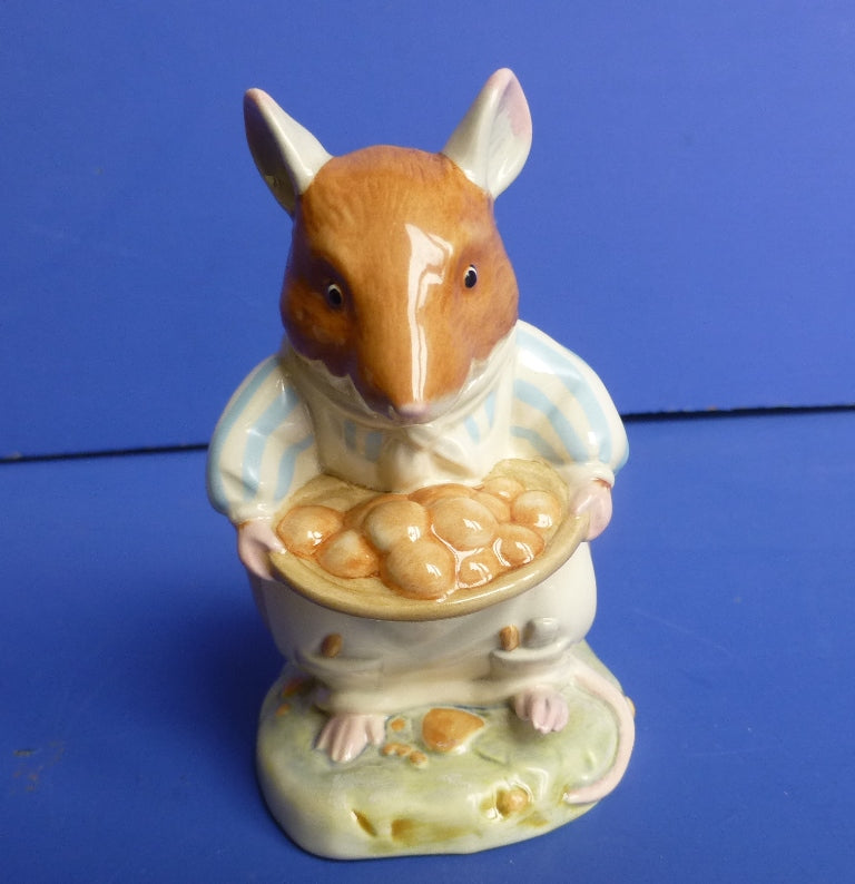 Royal Doulton Brambly Hedge Figurine - Dusty's Buns DBH51