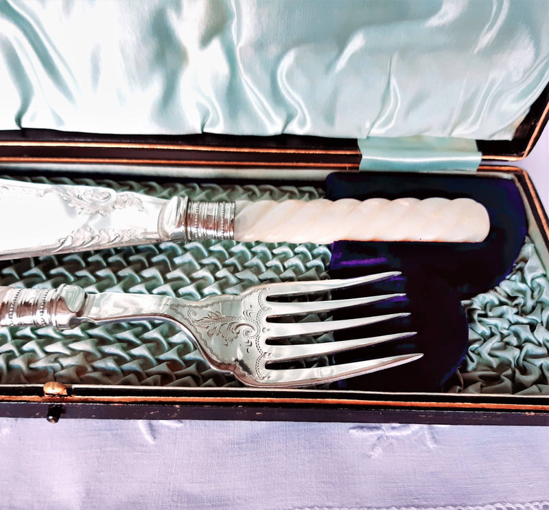 Boxed Mother of Pearl Silver Ferelled Engraved Fish Servers