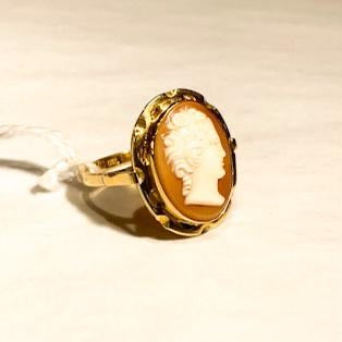 18ct Gold Cameo Ring