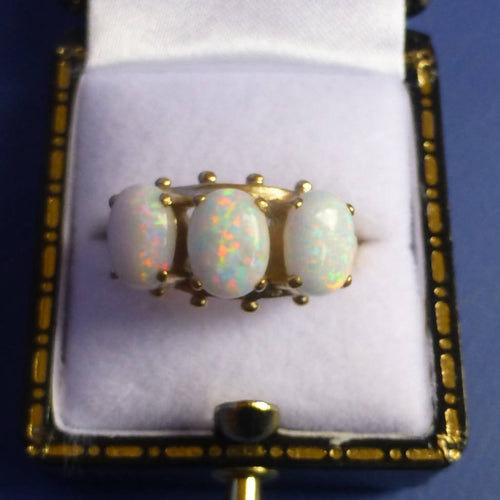 9ct Gold White Opalite Ring Size O
