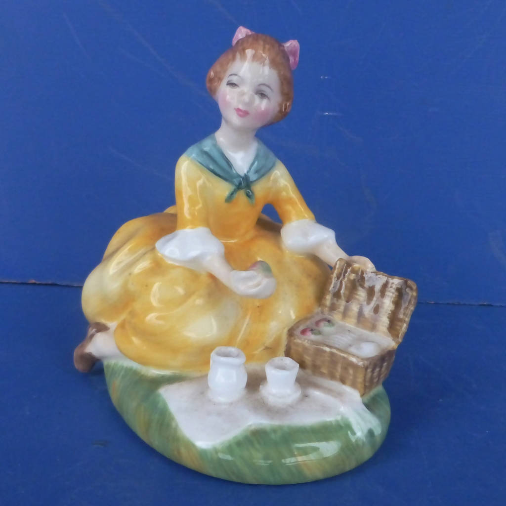Royal Doulton Figurine - Picnic HN2308 Designed by Peggy Davies