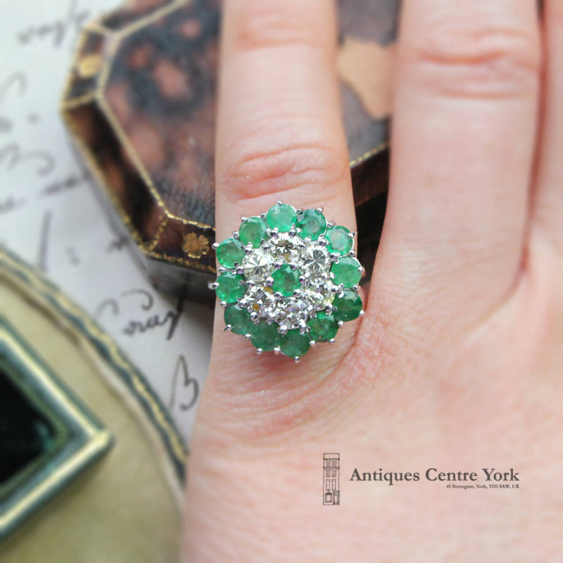 Vintage 18ct White Gold Emerald & Diamond Cluster Ring